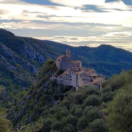 hiking on french riviera